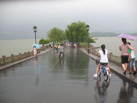"""国庆长假尾声老天""""变脸"""" 合肥今明小到中雨"""
