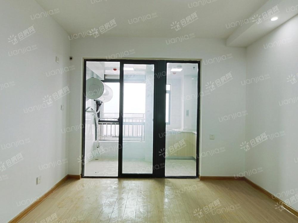 [宝利丰广场·爱情公寓]全新住房,领包入住。